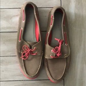 Gray and hot pink Tesori loafers